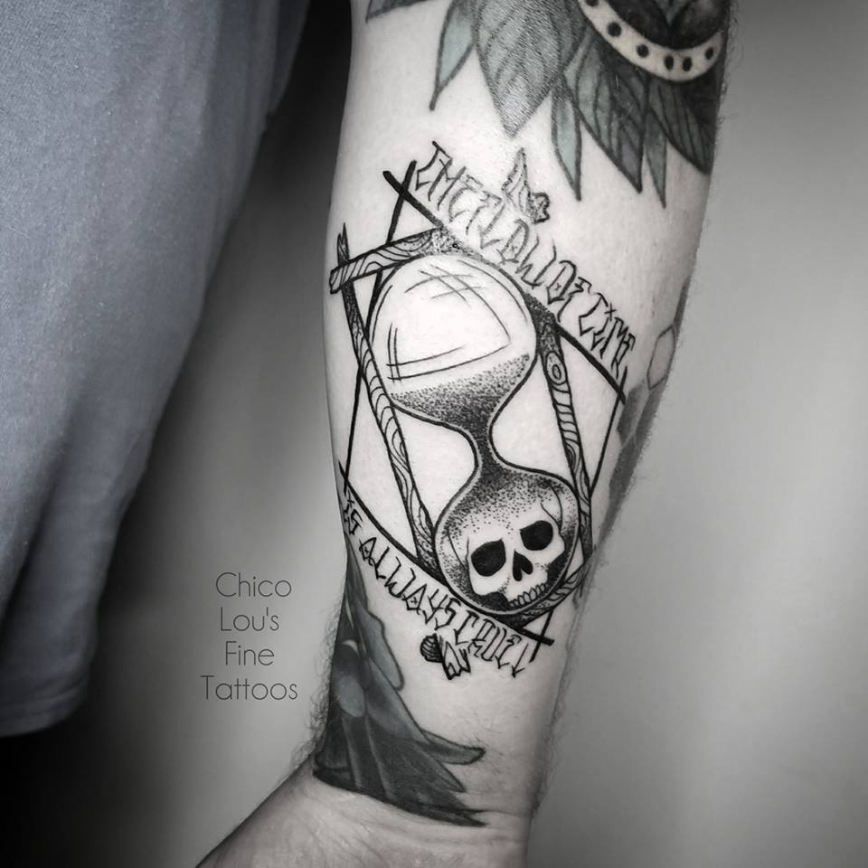 Blackwork hourglass by Chico Lou's Fine Tattoos shop in Athens Georgia GA. Artist - Sara Fogle