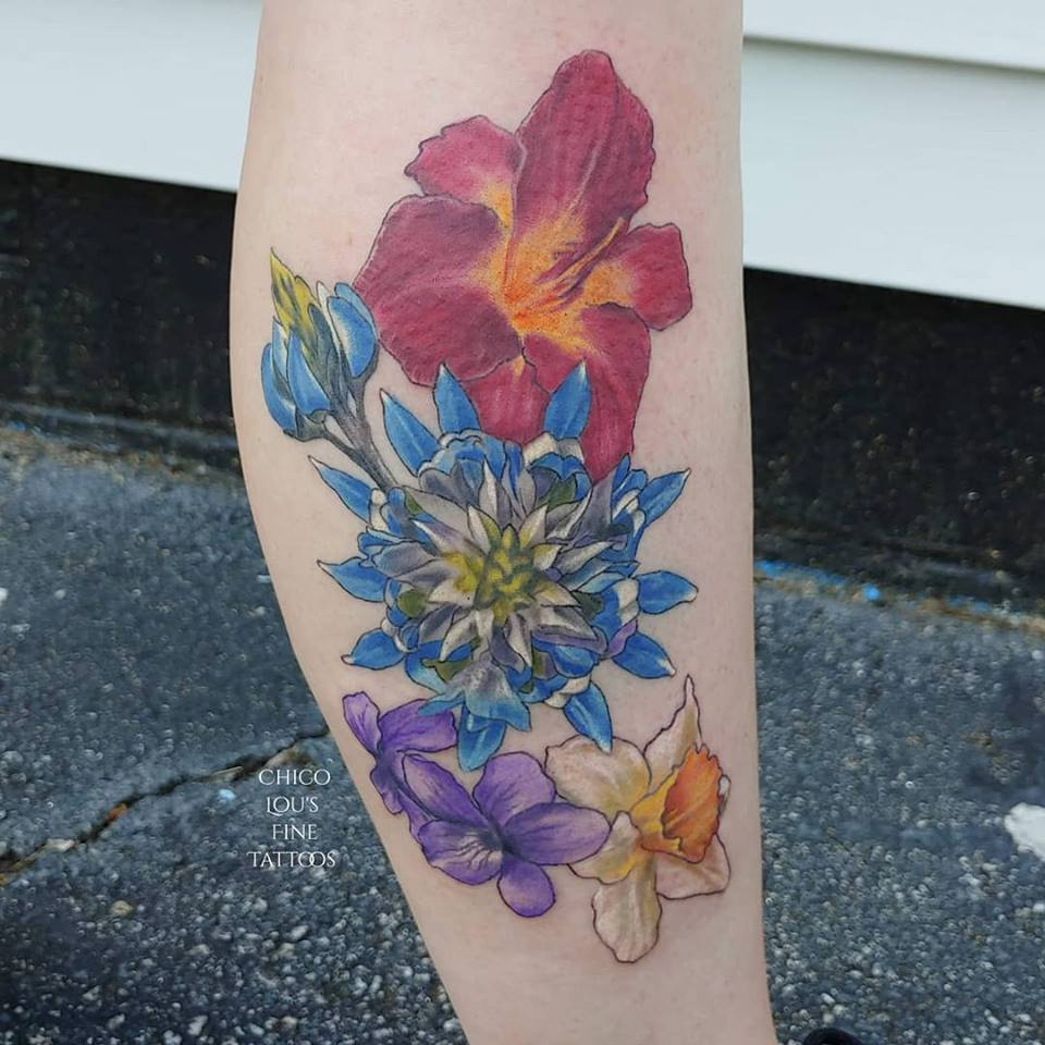 Flowers by Chico Lou's Fine Tattoos studio in Athens Georgia GA. Artist - Veronica Hahn