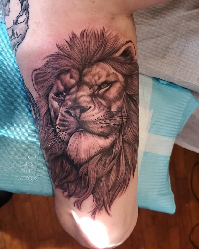 Lannister lion by Chico lou's Fine Tattoos studio in Athens Georgia GA. Artist - Sara Fogle