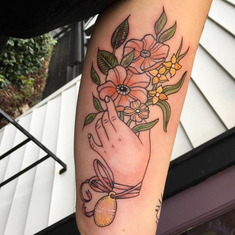 Floral design by Chico Lou's Fine Tattoos studio in Athens Gerogia GA. Artist - Darya Kalantari