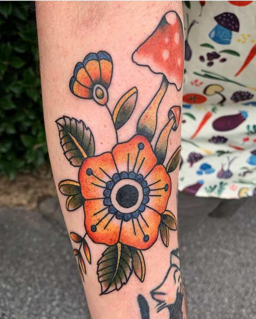 Flowers and shrooms by Chico Lou's Fine Tattoos studio in Athens Georgia GA. Artist - Darya Kalantari
